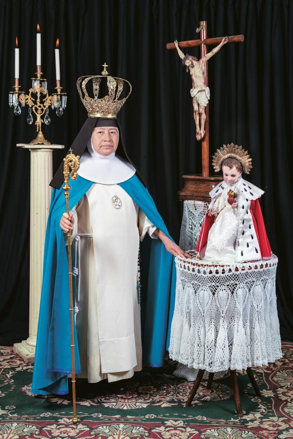 03-sister-emma-with-crown-and-staff.adapt.590.1