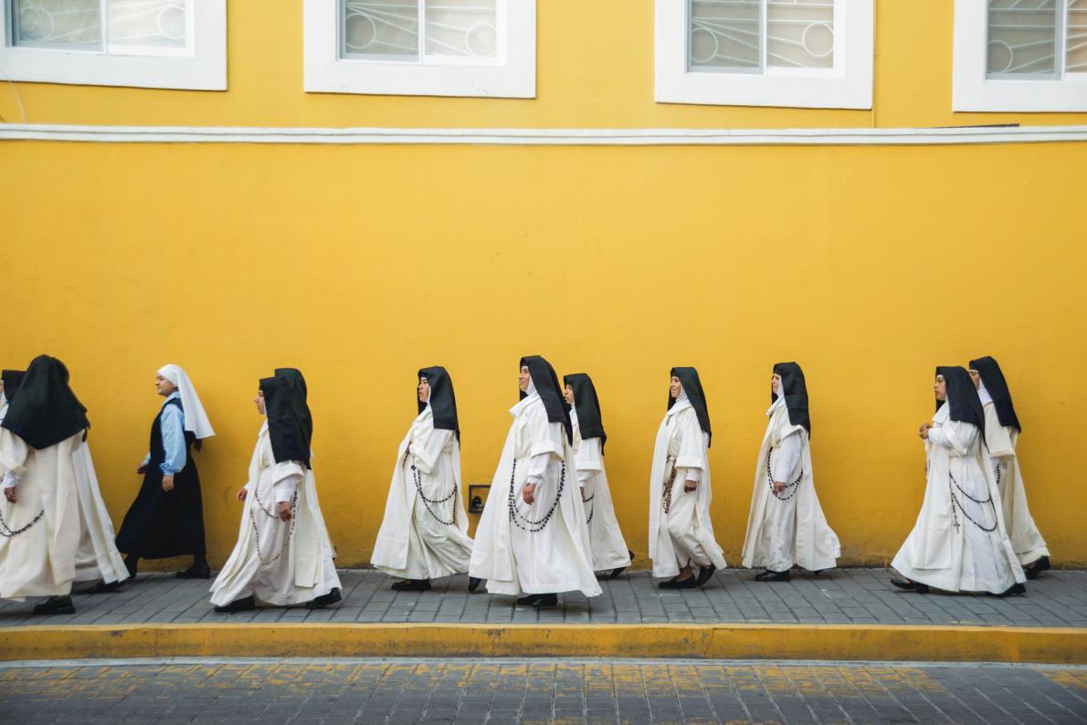 09-procession-of-nuns-in-cholula.adapt.1190.1
