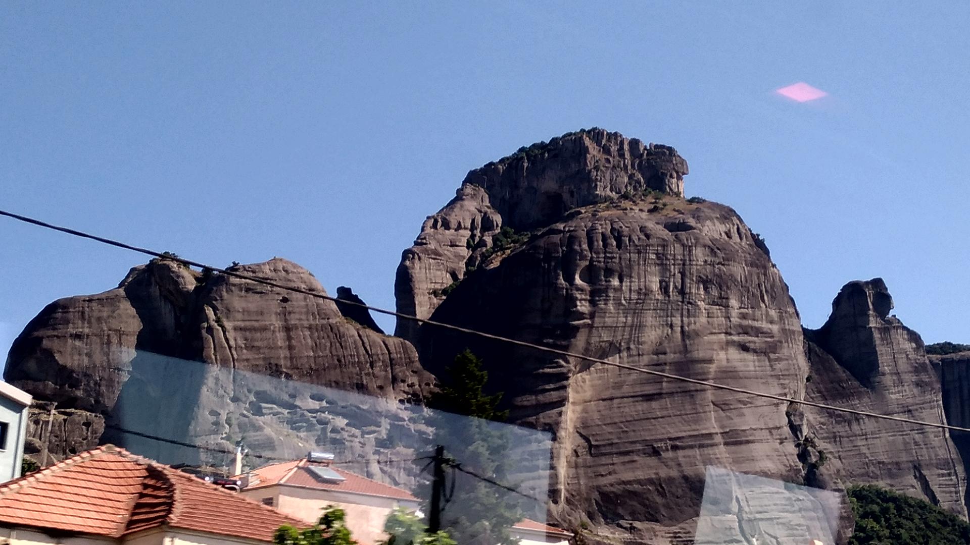 Скалы Метеоры на материковой Греции
