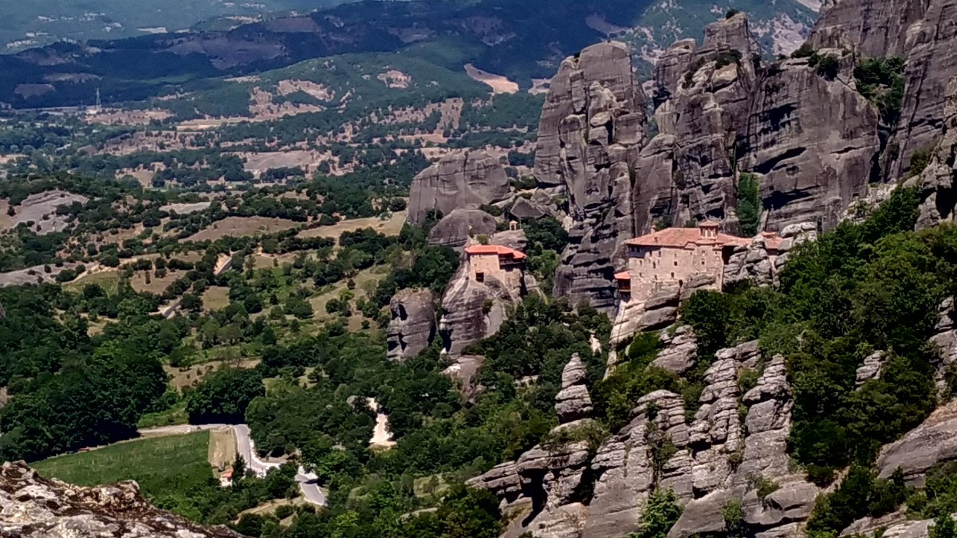 Греция Монастырь в горах