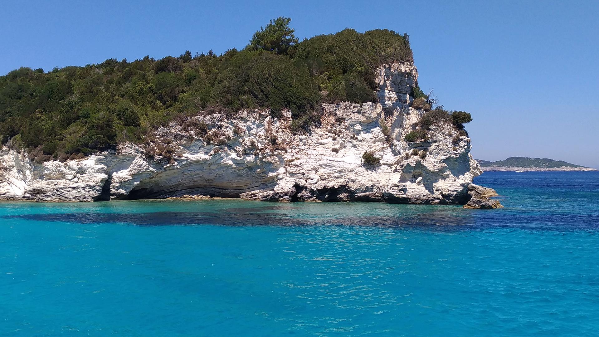 Прекрасное ионическое море